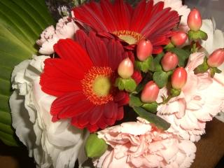 結婚記念日のミニブーケ